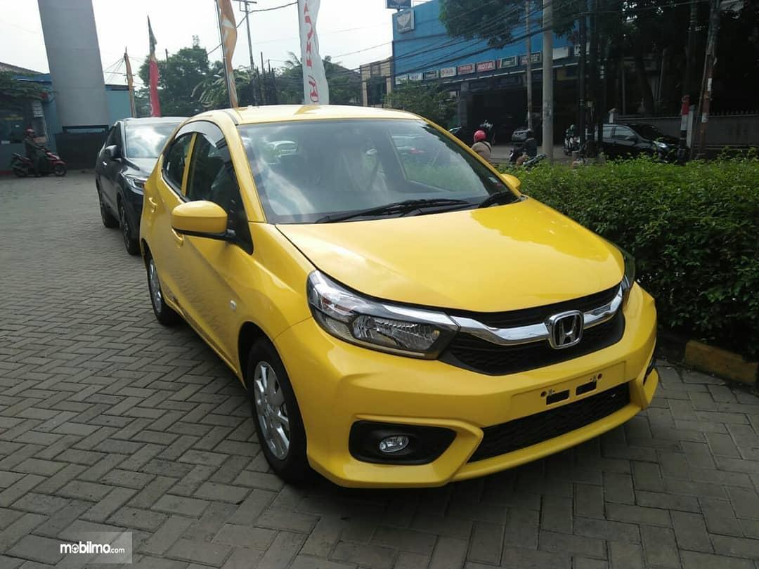 All New Honda Brio berwarna kuning