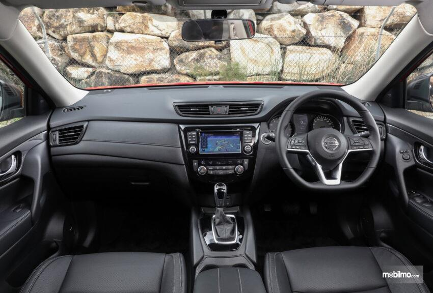 Foto Interior Nissan X-TRAIL N-TREK Limited Edition