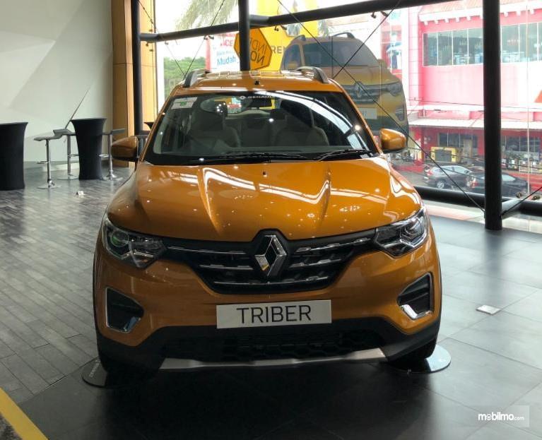 Foto Renault Triber tampak depan