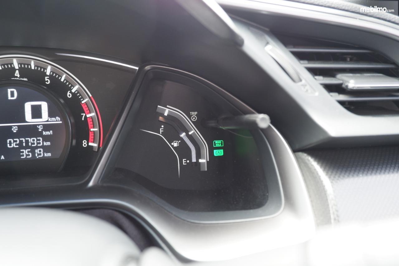Gambar menunjukkan Spidometer Honda Civic Turbo