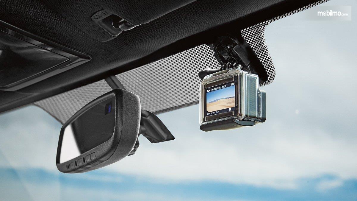 Foto kamera dalam mobil