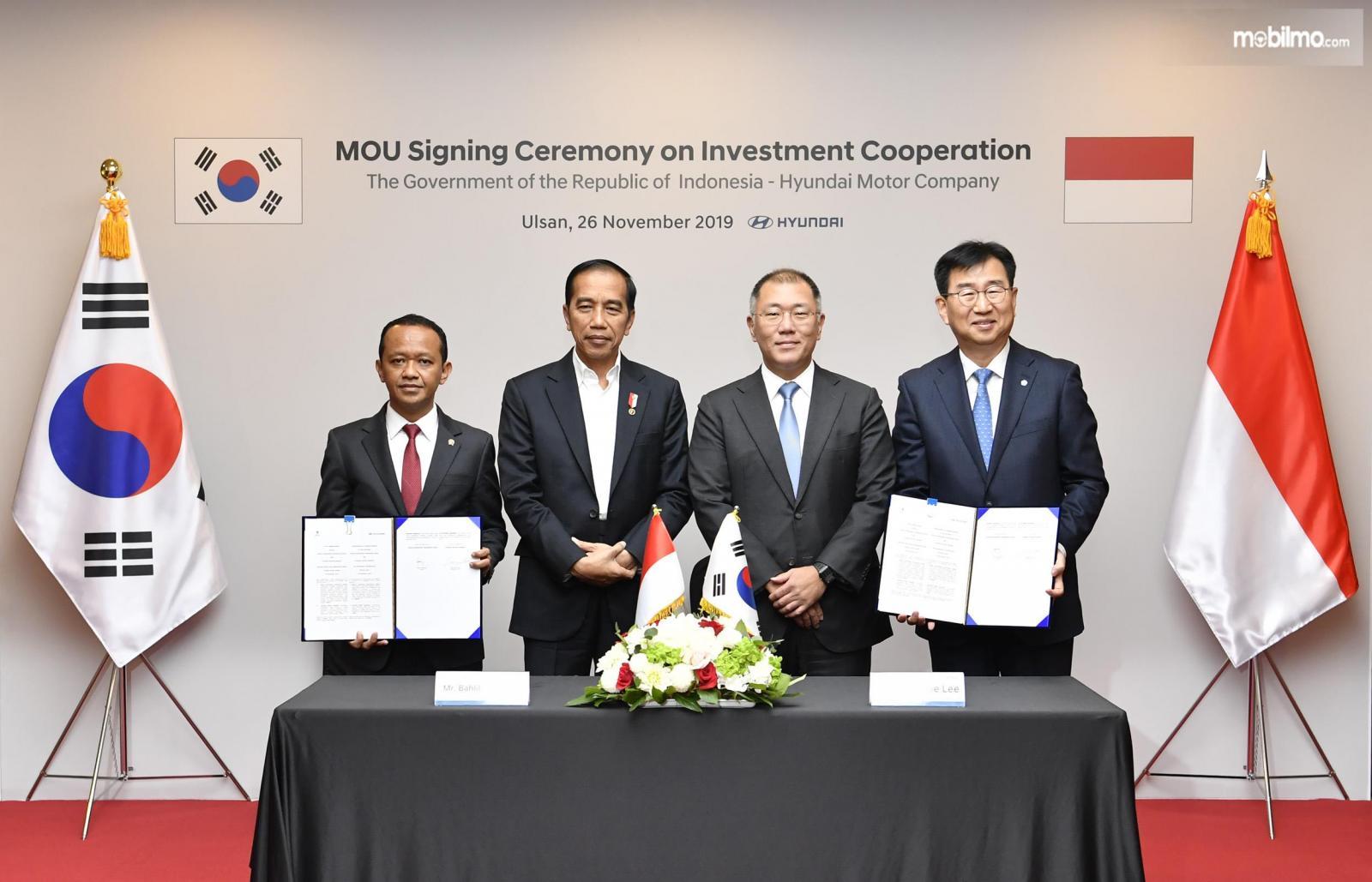 Foto bersama saat Penandatanganan MoU Hyundai Motors Group dengan Pemerintah RI