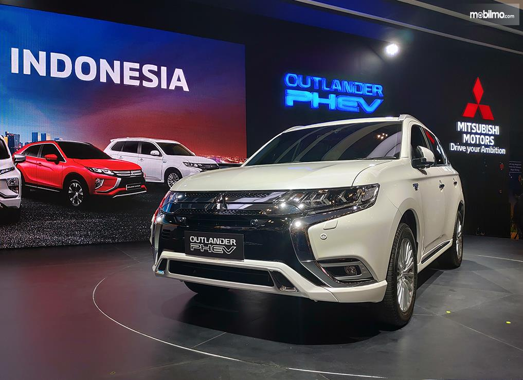 Foto Mitsubishi Outlander PHEV diluncurkan di GIIAS 2019