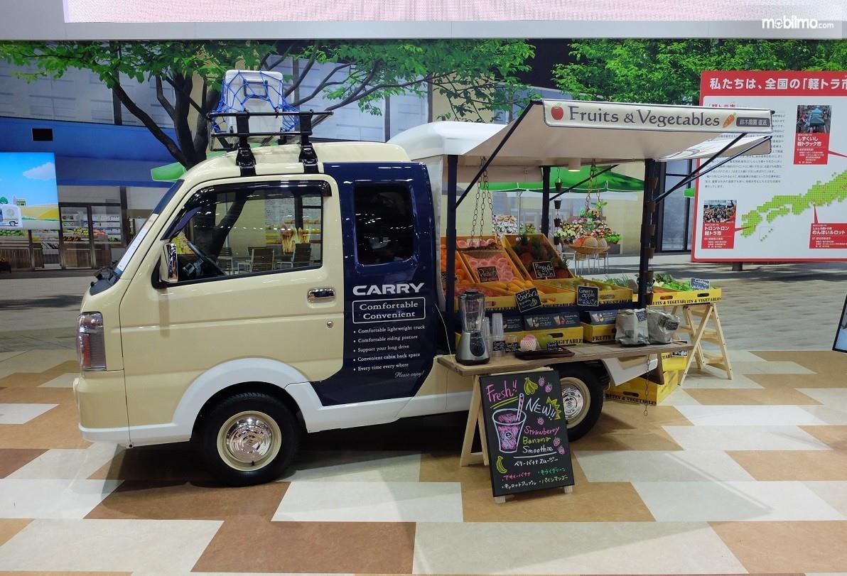 Foto Suzuki Carry PU yang dimodifikasi menjadi food court