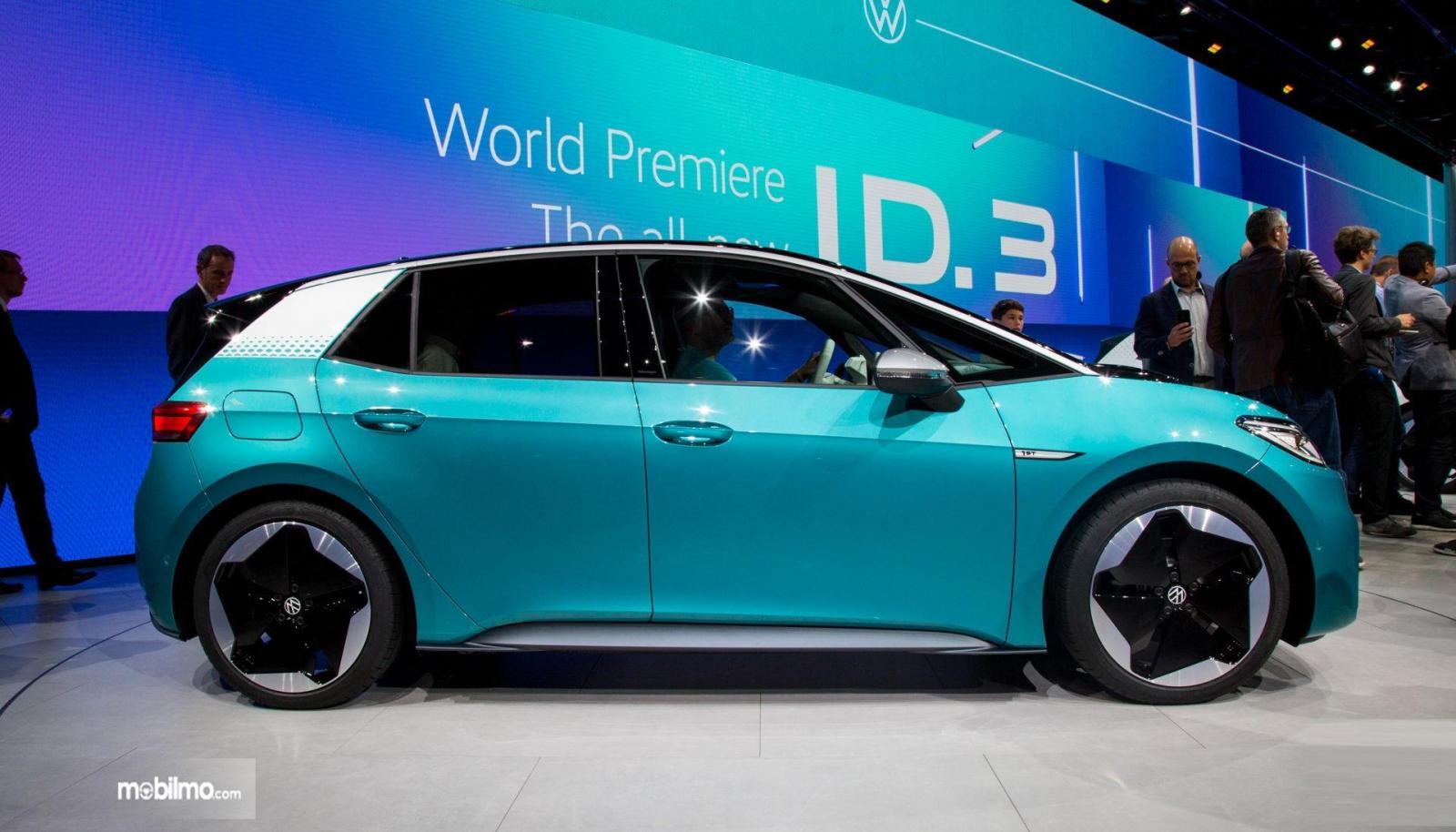 Foto VW ID.3 tampak dari samping