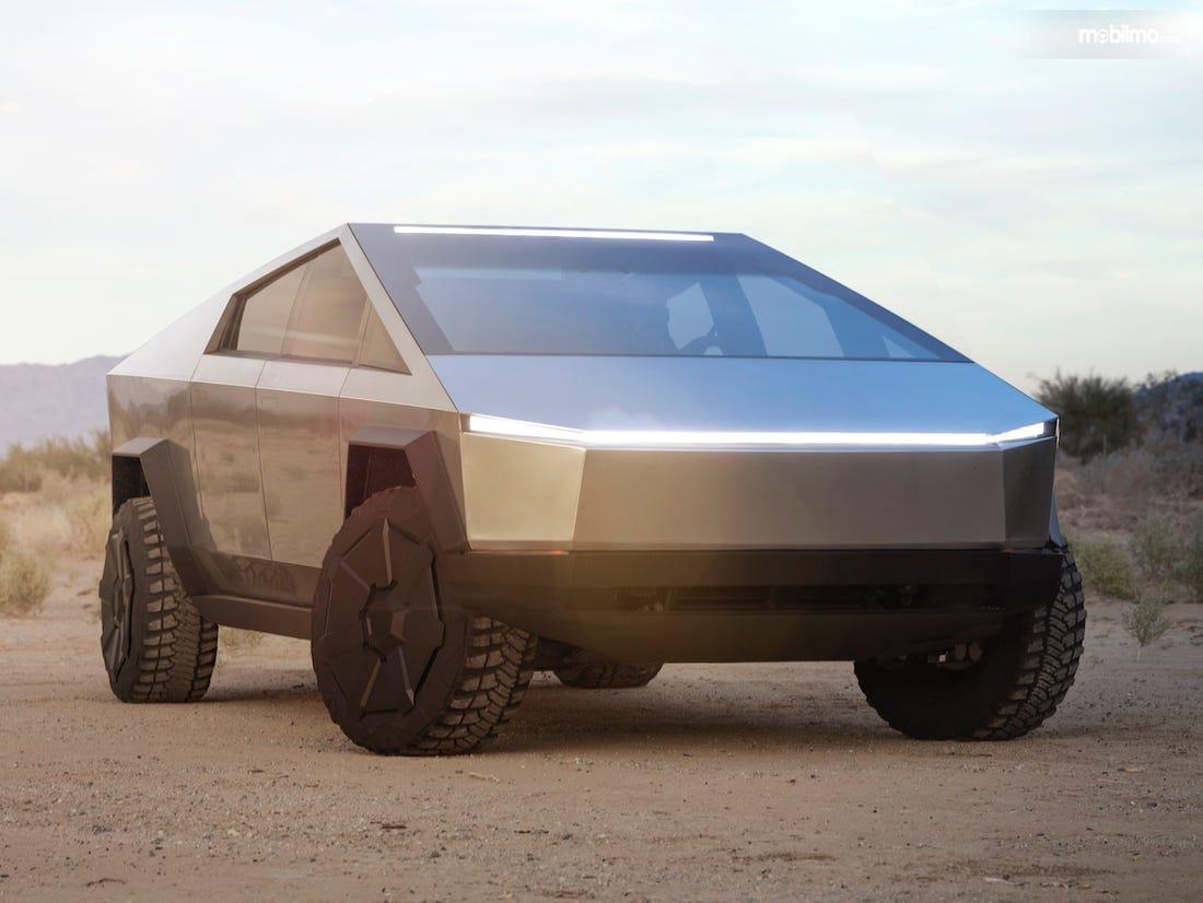 Foto Tesla Cybertruck tampak dari samping depan