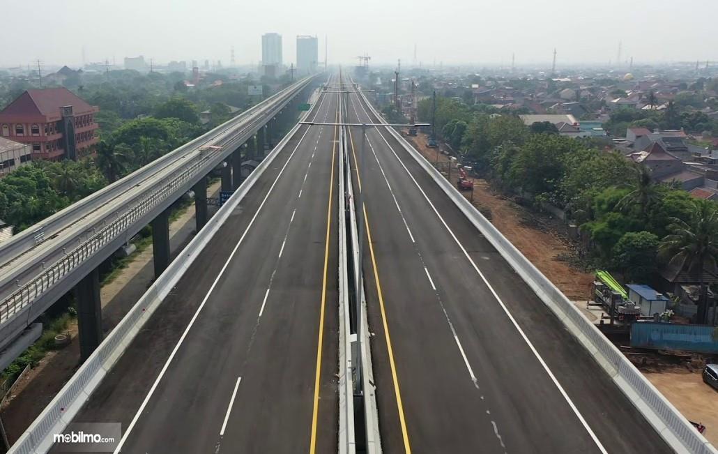 Foto udara Jalan Tol Jakarta-Cikampek II (Elevated) jelang dioperasikan