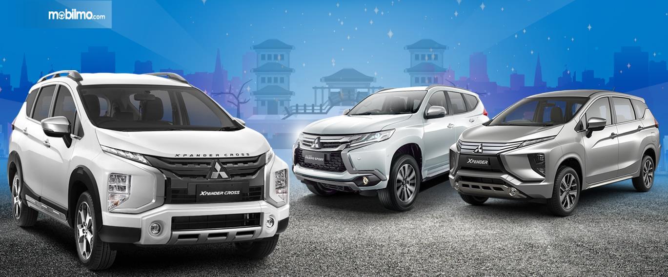 Gambar ini menunjukkan 3 buah mobil besutan Mitsubishi