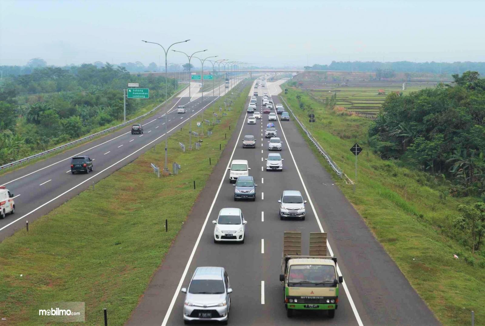 Foto ruas Tol Cipali (Cikopo - Palimanan), ruas terpanjang Tol Trans Jawa