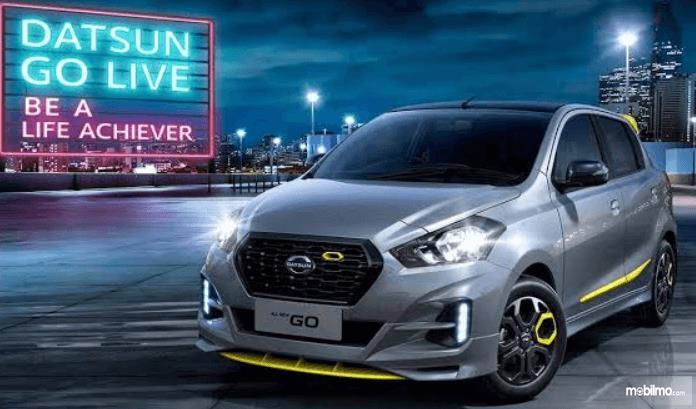 Gambar ini menunjukkan bagian depan mobil Datsun GO Live 2018