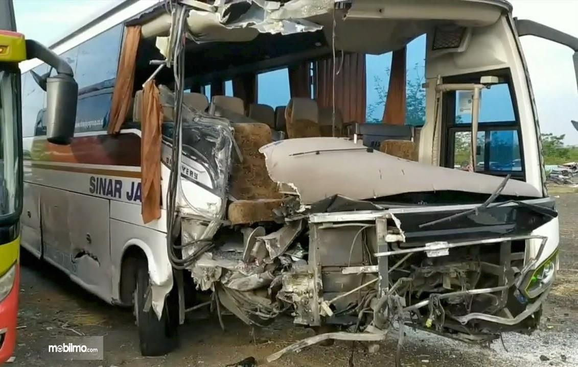 Foto bus yang mengalami kecelakaan di Tol Cipali 14 September 2019