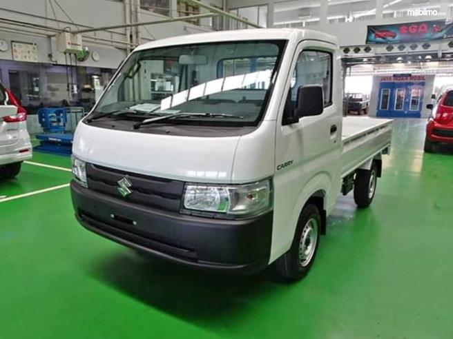 Foto Suzuki New Carry 2019 tampak samping depan