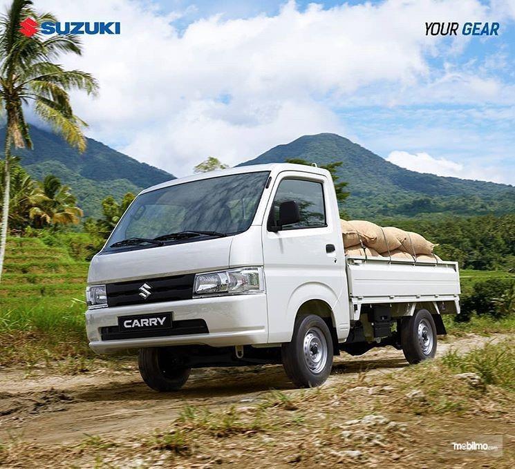 Foto Suzuki New Carry 2019 tampak dari samping depan