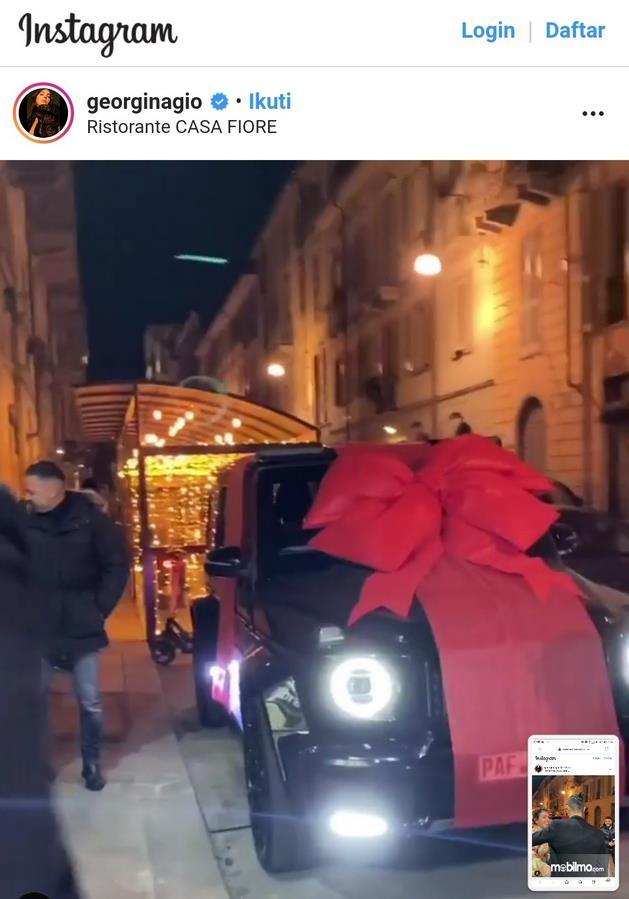 Gambar ini menunjukkan instagram dari Georginagio