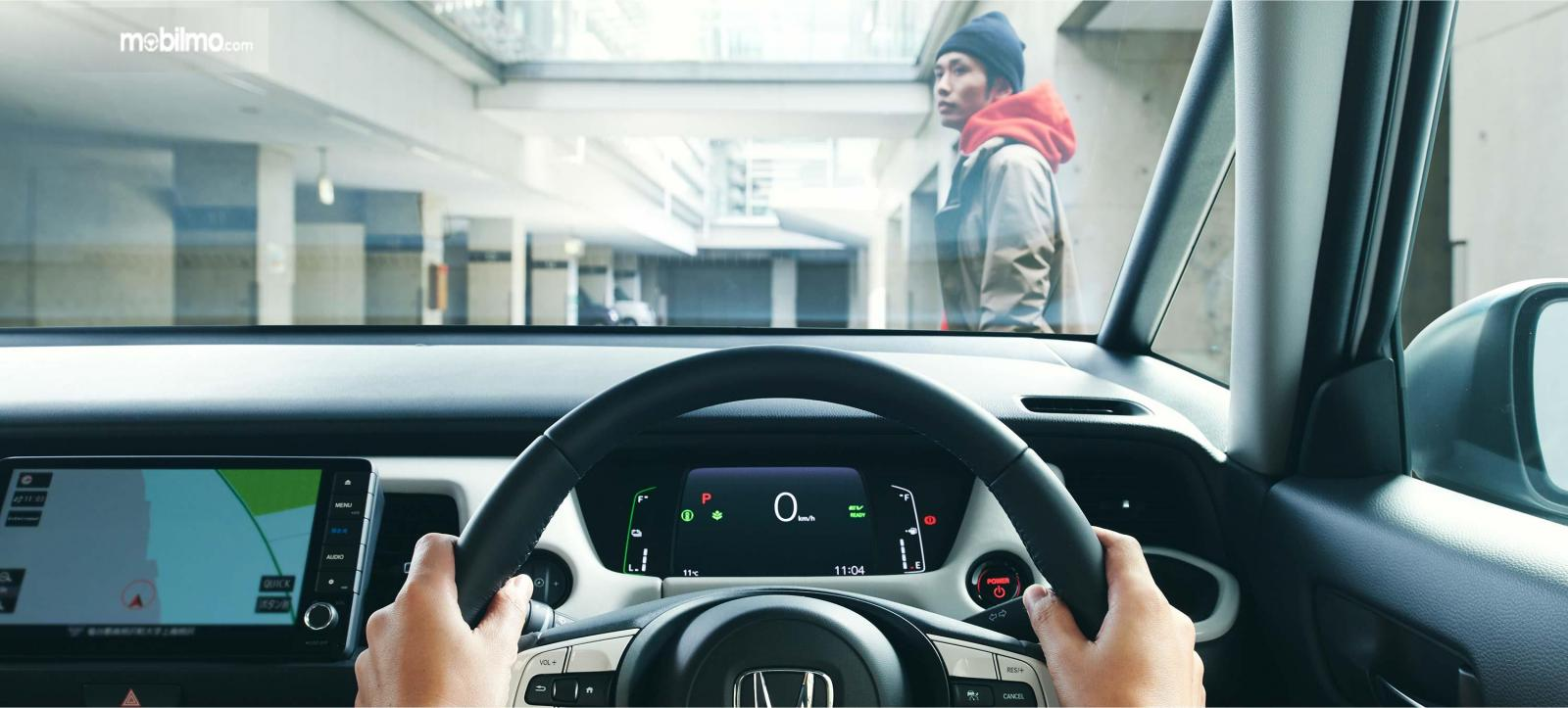 Gambar ilustrasi fitur keselamatan Honda Sensing pada All New Honda FIT
