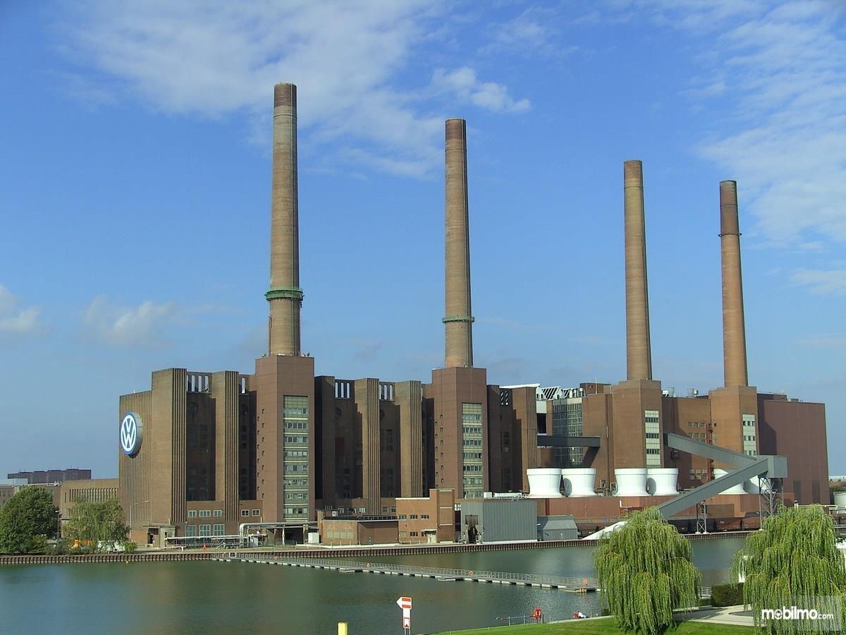 Foto menunjukkan Pabrik Volkswagen di Wolfsburg Jerman