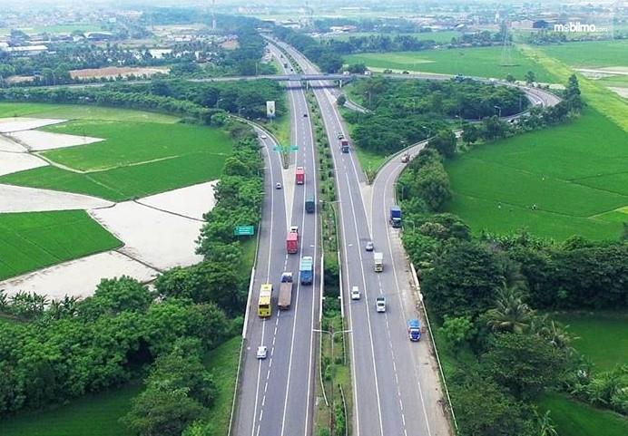 Foto menunjukkan salah satu pemandangan di Tol Tangerang-Merak