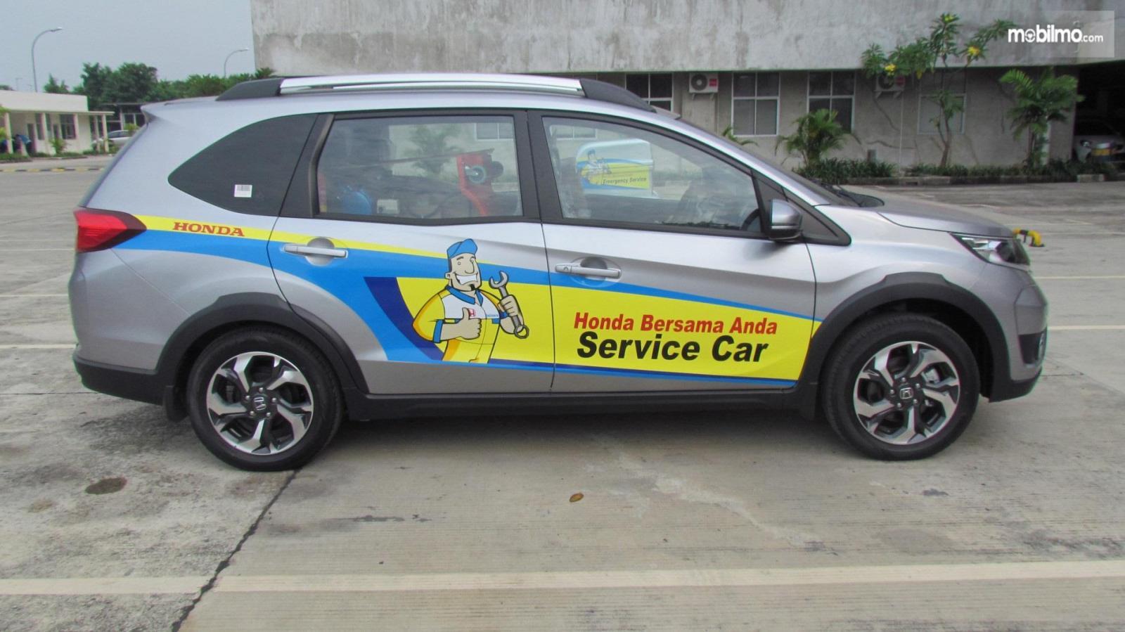 Foto menunjukkan armada Honda Home Service untuk pelayanan di rumah
