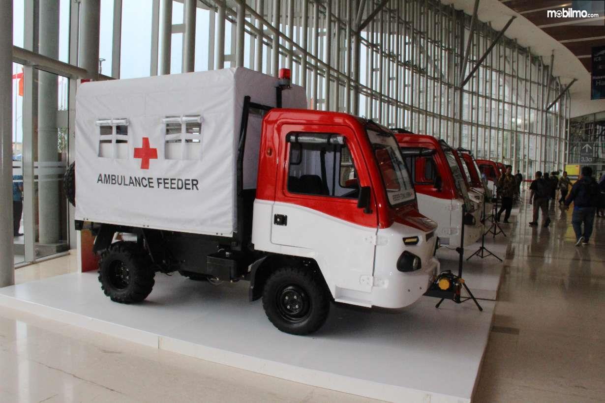 Foto menujukkan AMMDes Ambulance Feeder tampak dari samping depan
