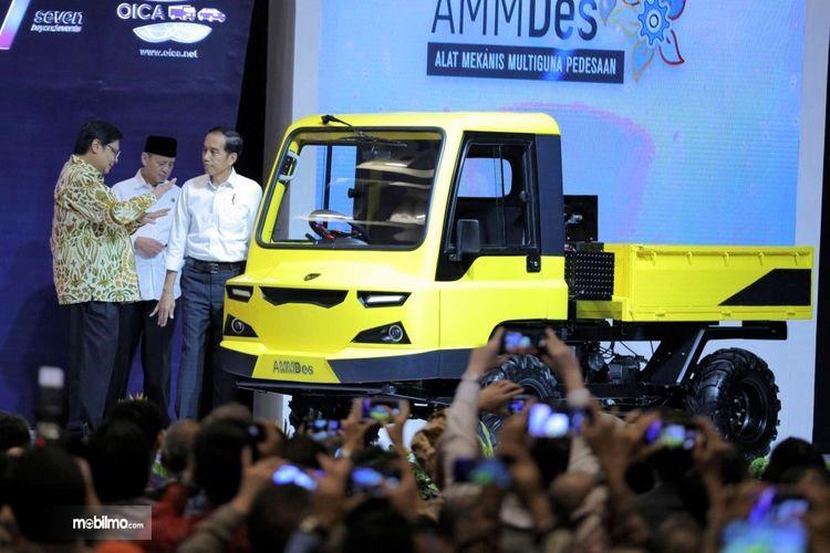 Foto Peluncuran AMMDes di GIIAS 2018 oleh Presiden Joko Widodo