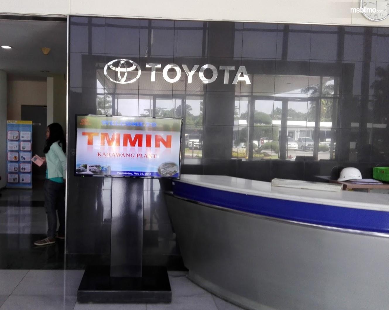 Foto menunjukkan salah satu area di pabrik Toyota TMMIN Karawang
