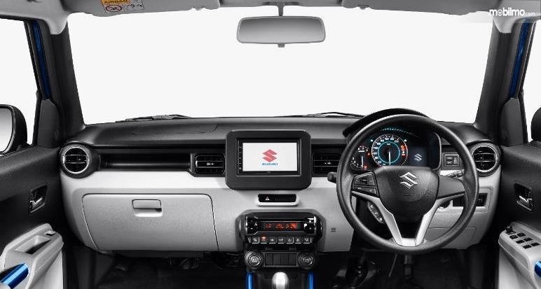 Gambar ini menunjukkan dashboard mobil Suzuki Ignis 2020