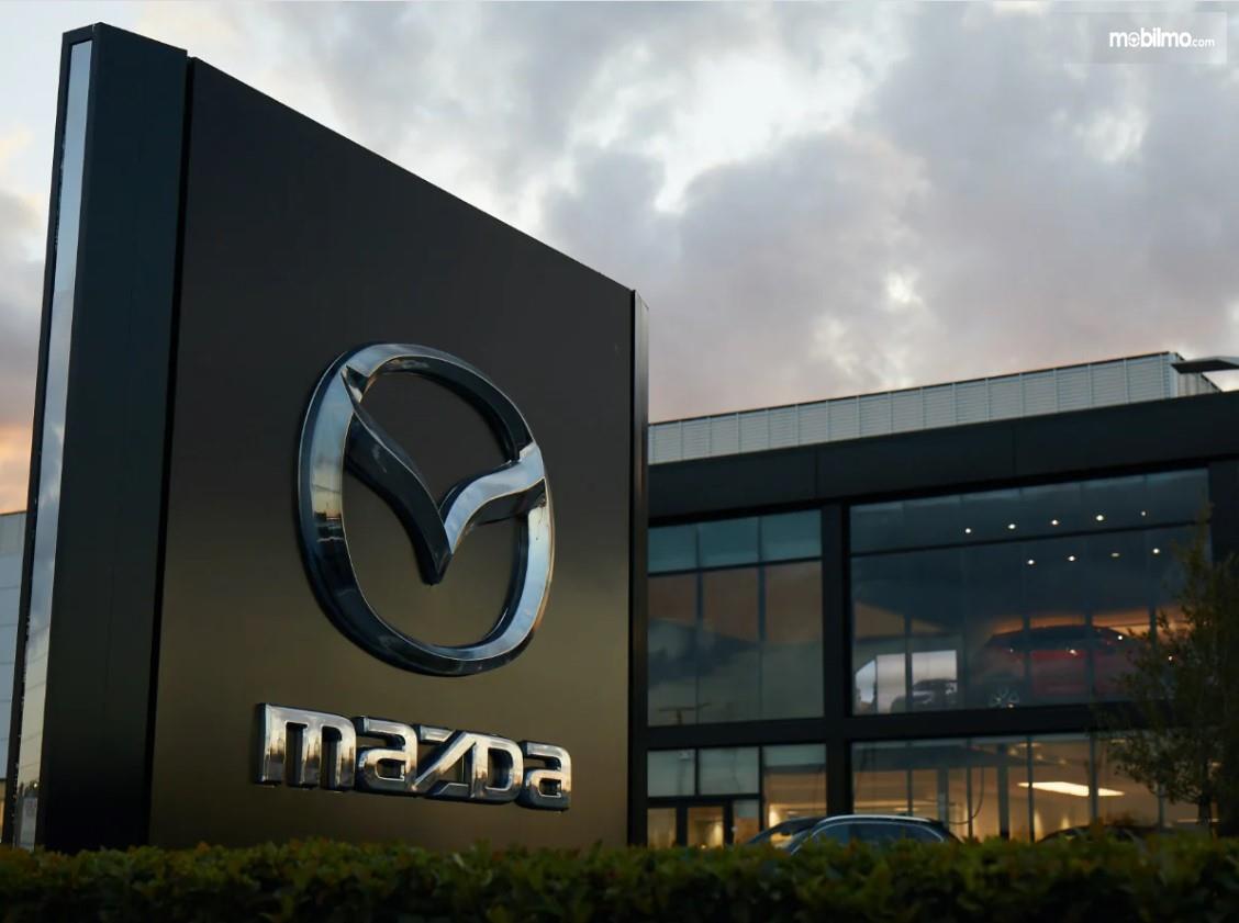 Foto menunjukkan salah satu diler Mazda
