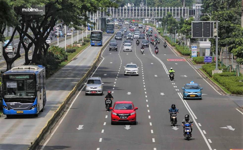 Foto menunjukkan kondisi Lalu lintas Jakarta