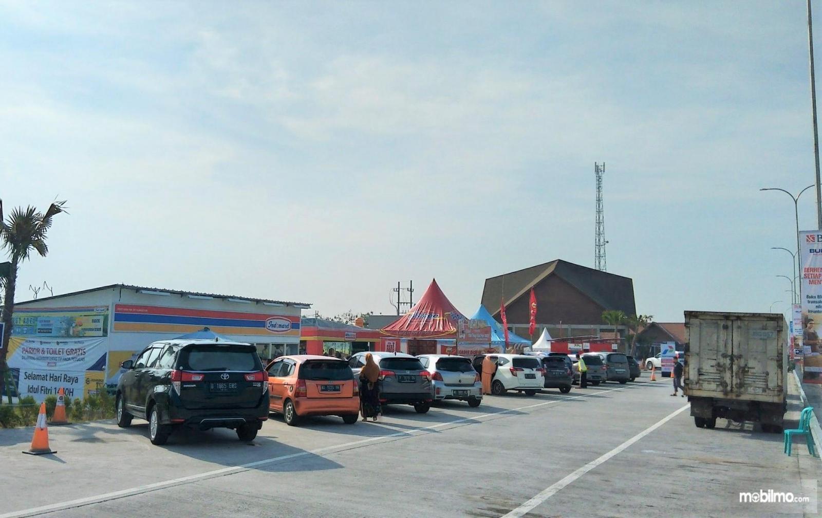 Foto menunjukkan salah satu rest area jalan tol di Jawa Timur
