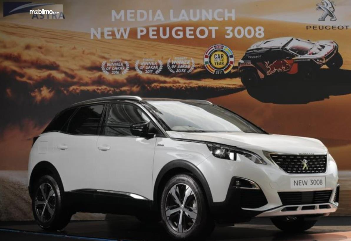 Gambar ini menunjukkan media launch  New Peugeot 3008