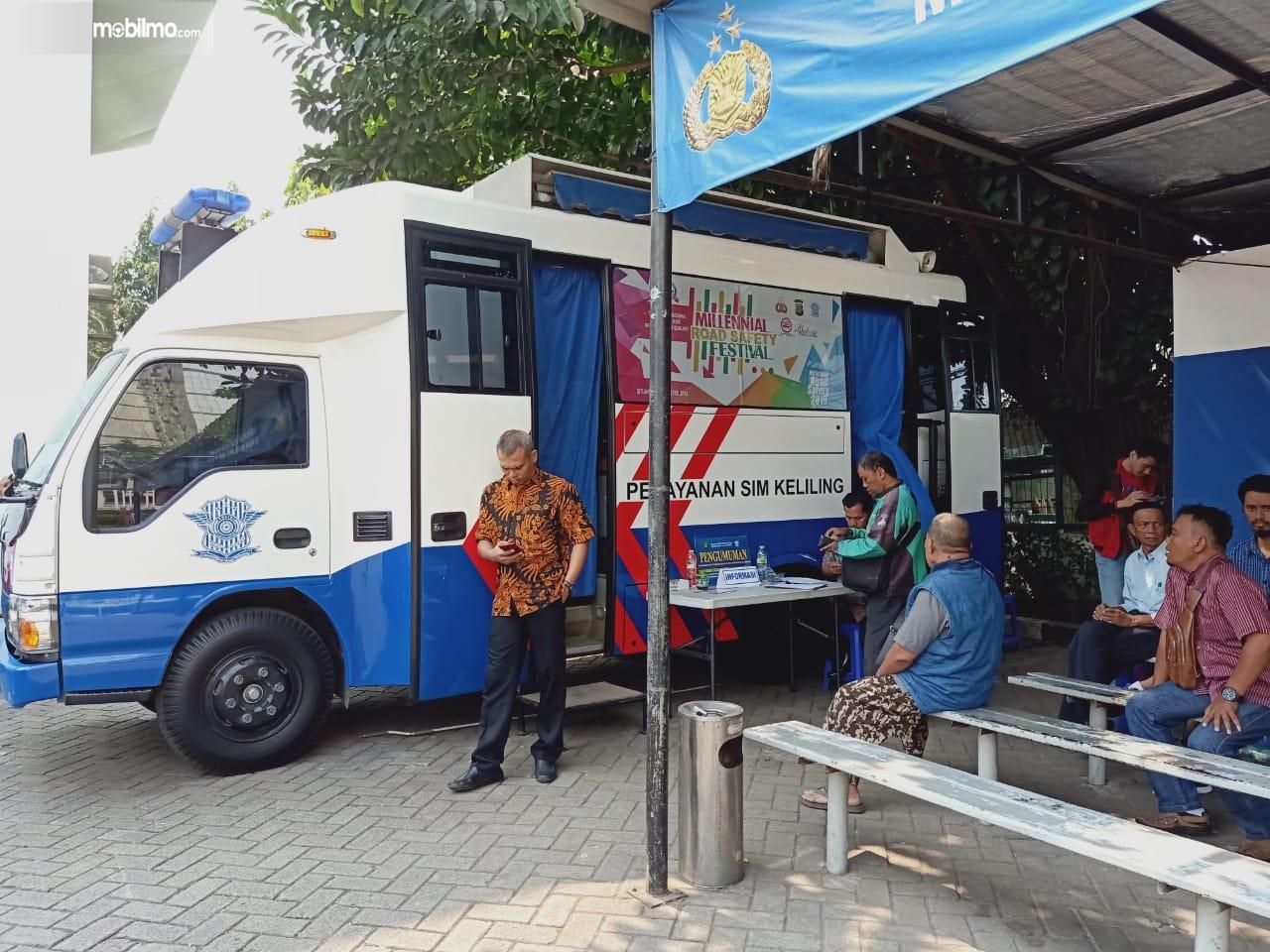 Foto layanan SIM Keliling