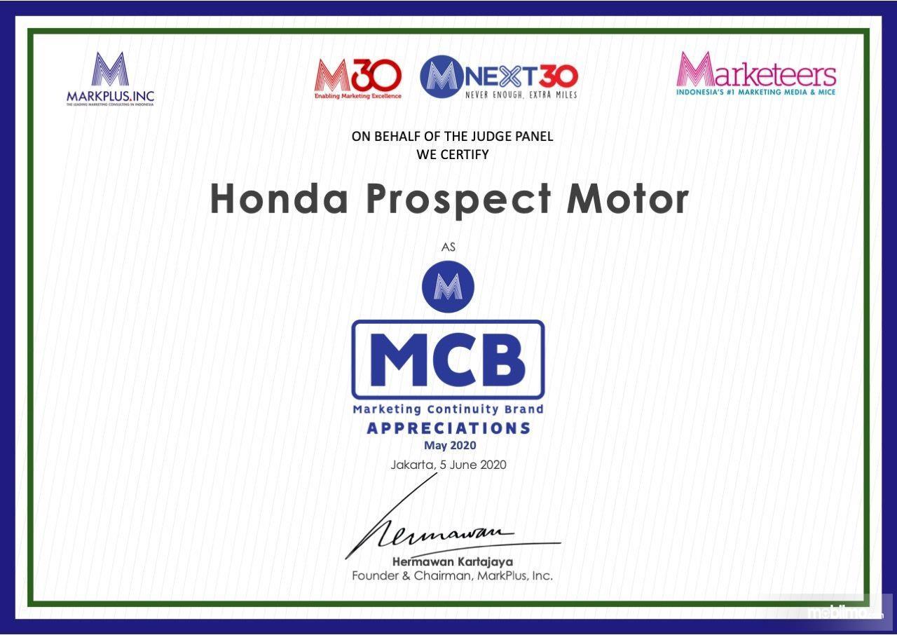 Foto menunjukkan Penghargaan Honda dari MarkPlus