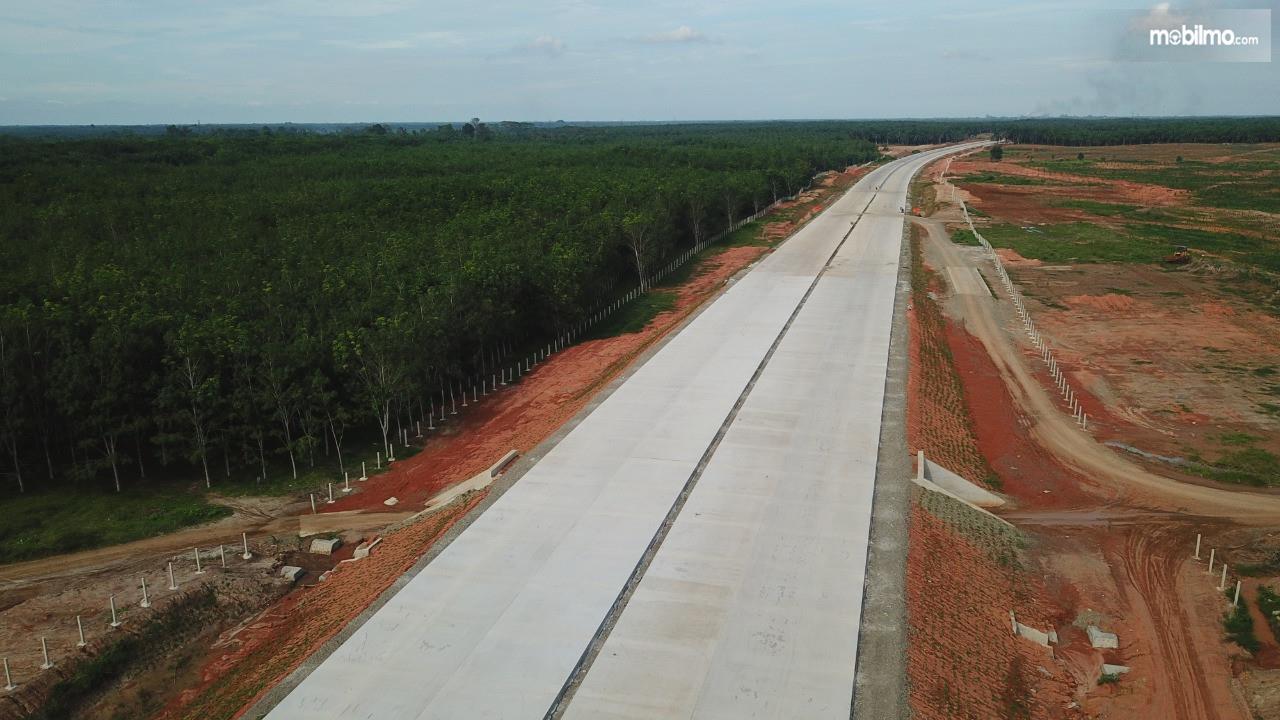 Foto menunjukkan progres Tol Kuala Tanjung-Tebing Tinggi-Parapat
