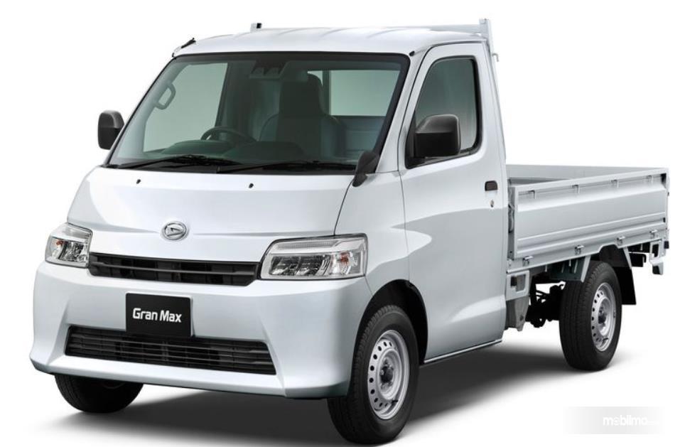 Gambar ini menunjukkan mobil Daihatsu Gran Max Pick Up/ Truck