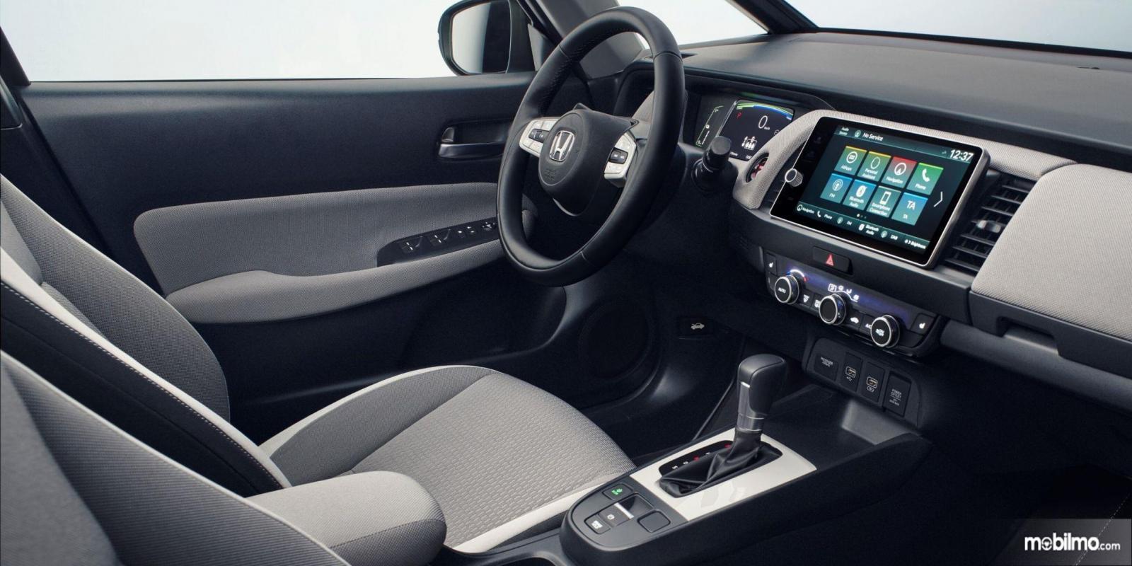 Foto Interior Honda Jazz Crosstar 2020 tampak canggih