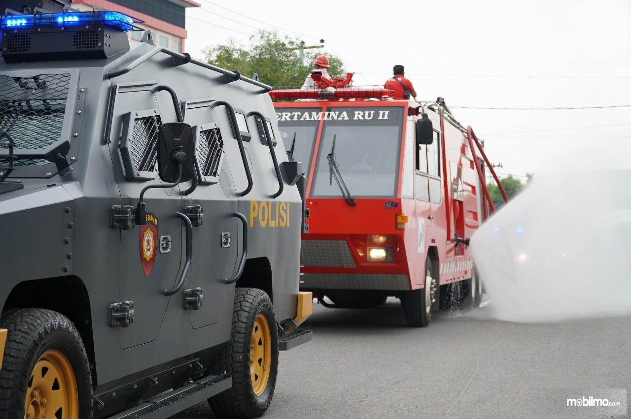 Foto Polres Kota Dumai bersama Pertamina melakukan kegiatan disinfeksi