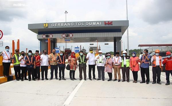 Foto menunjukkan Kunjungan anggota DPR ke Tol Permai