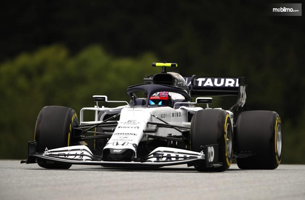 Foto mobil balap Honda F1 2020 - Tim Scuderia Alphatauri