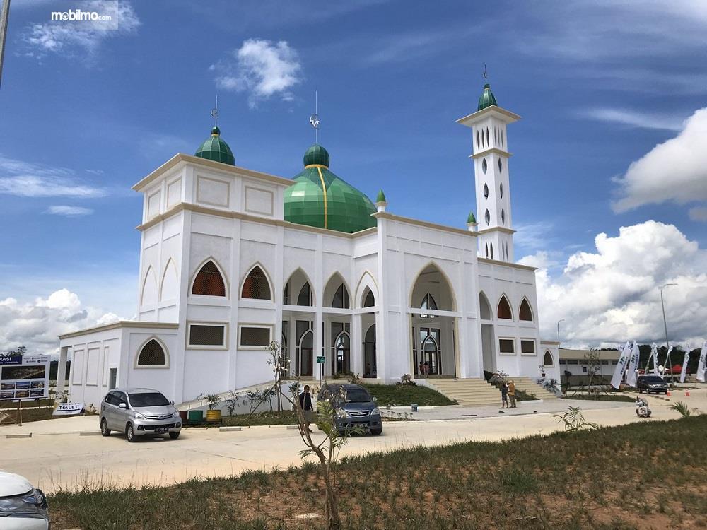 Foto menunjukkan Masjid di Rest Area KM 36A Tol Balikpapan-Samarinda