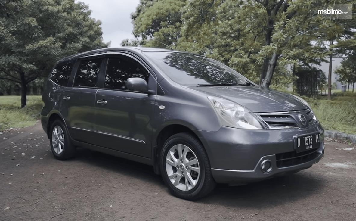 Review Nissan Grand Livina 1 5 Xv 2012 Low Mpv Menyajikan Berkendara Fun To Drive