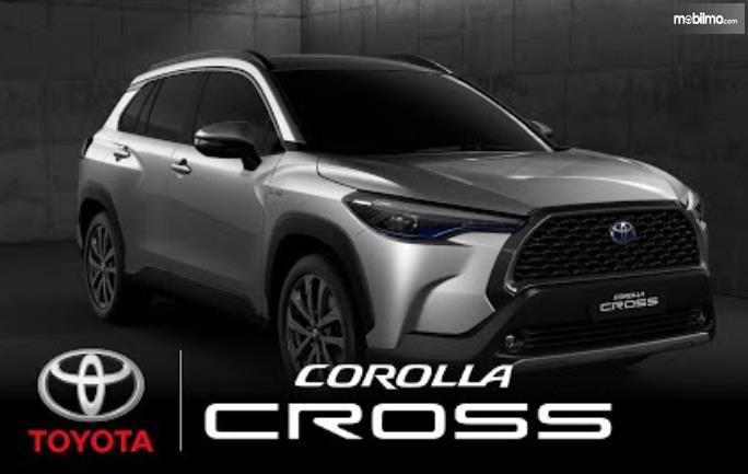 Gambar ini menunjukkan mobil Toyota Corolla Cross