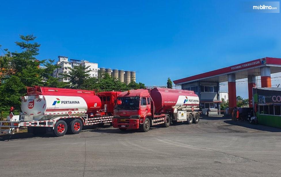 Foto menunjukkan Terminal BBM Kota Makassar