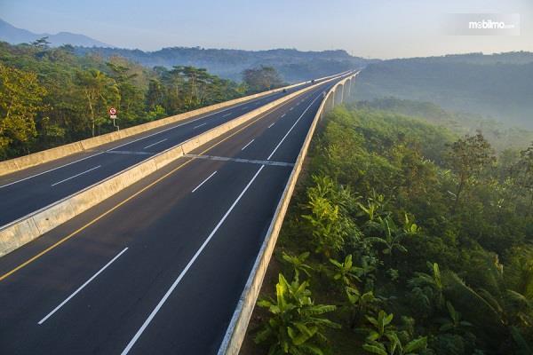 Foto menunjukkan Jembatan Lemah Ireng 1 dari udara