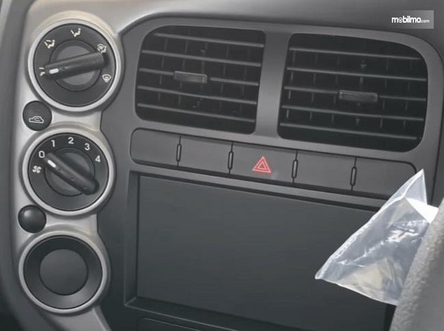 Gambar ini menunjukkan blower AC mobil KIA Big Up 2020