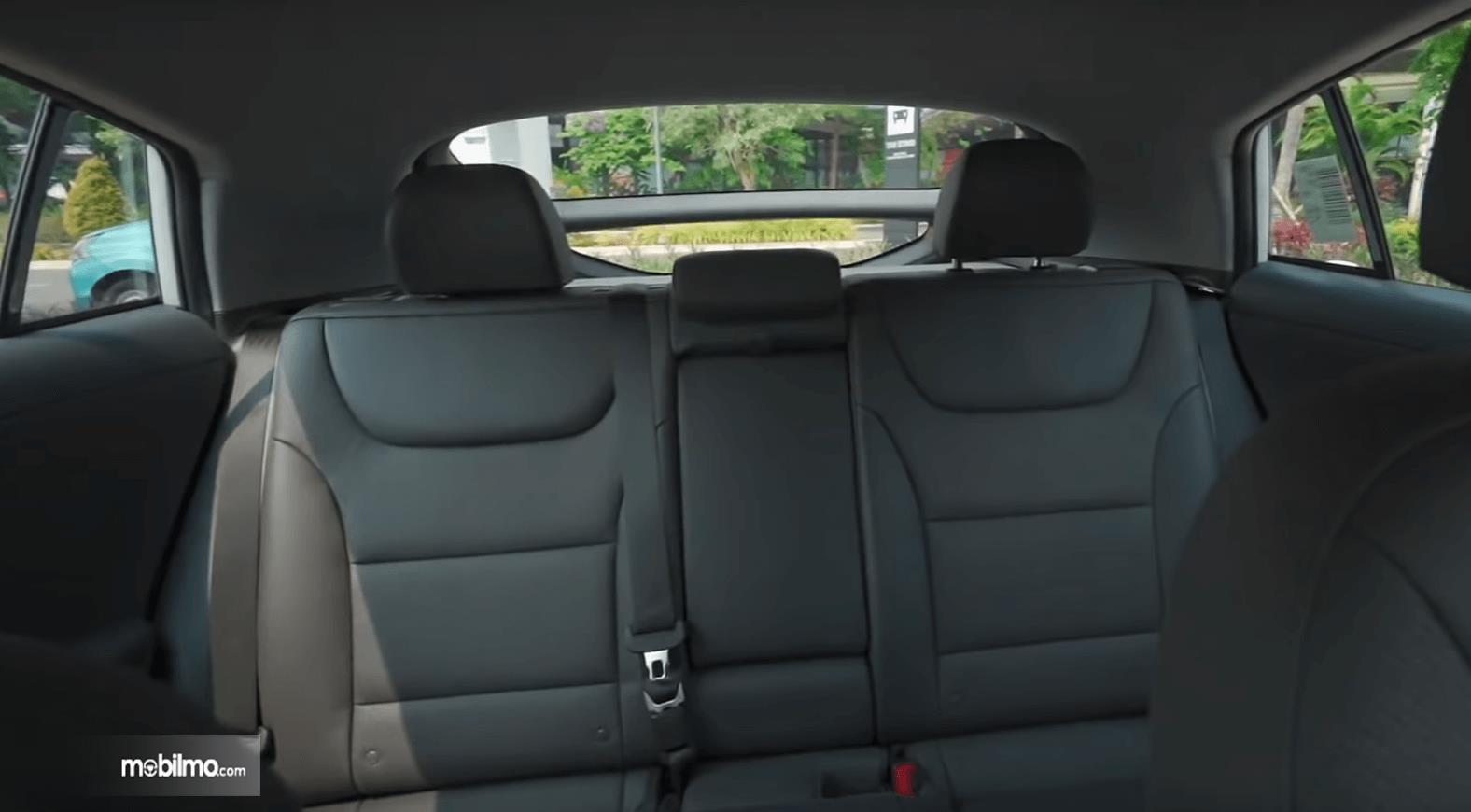 Gambar ini menunjukkan jok mobil Hyundai Ioniq Electric 2020