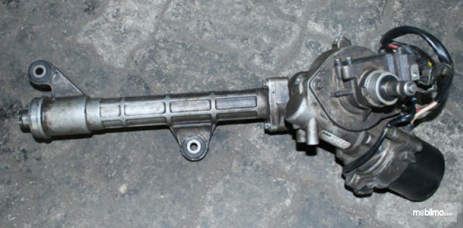 Gambar ini menunjukkan gambar rack steer pada kemudi mobil