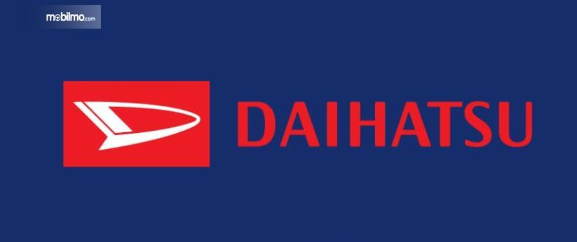 Gambar ini menunjukkan logo mobil Daihatsu dengan warna merah