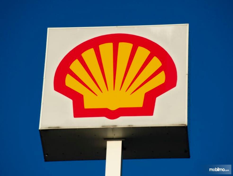 Gambar ini menunjukkan logo Sheel dengan warna merah dan kuning