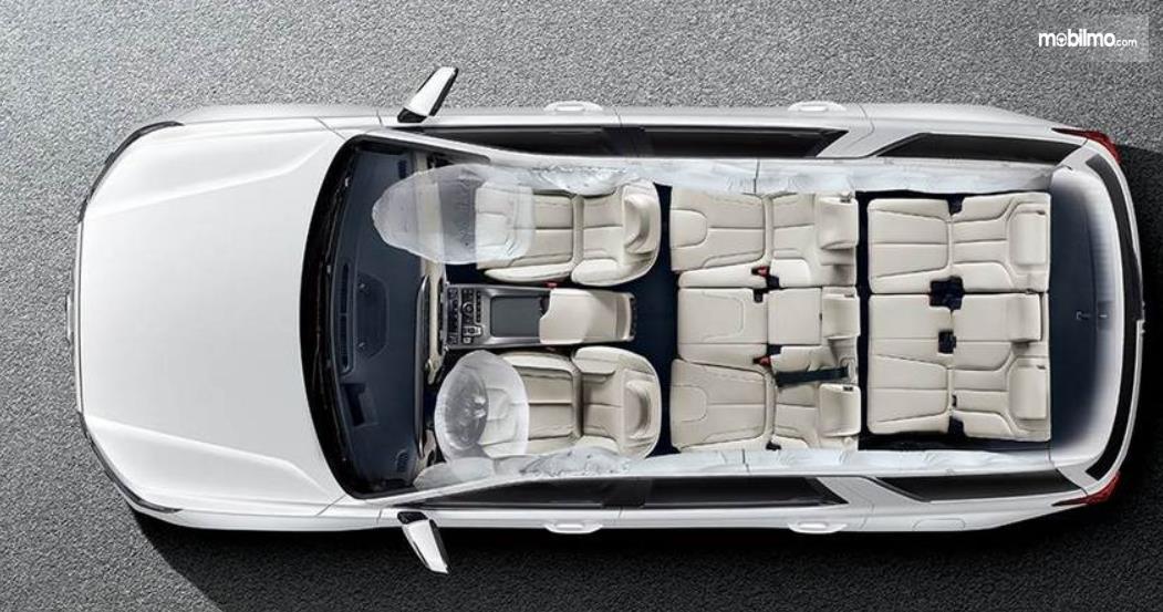 Gambar ini menunjukkan interior mobil Hyundai Palisade