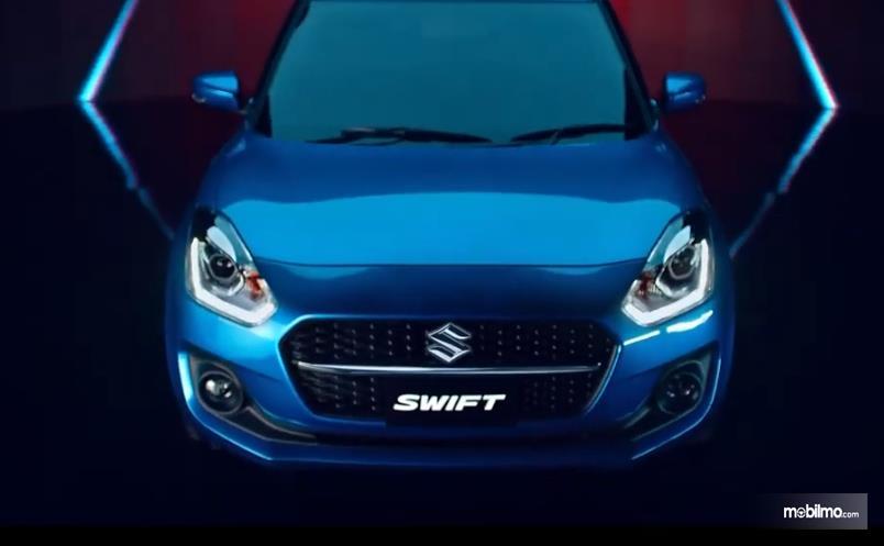 Gambar ini menunjukkan bagian depan Suzuki Swift 2021 thailand